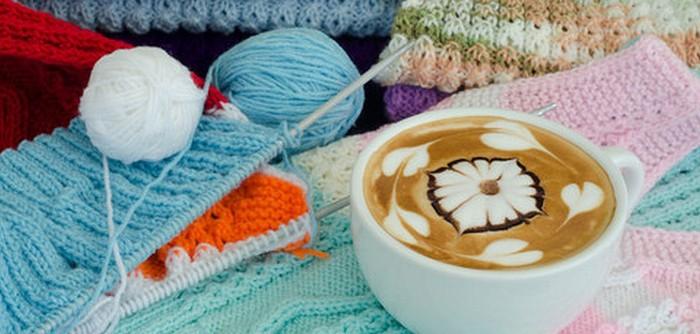 Kaffe og håndarbejde