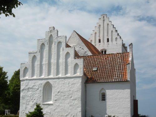 Kastrup Kirke set fra øst