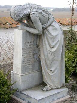 Engel gravminde på Kastrup Kirkegard